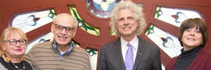 Lillian Fox, Ken Milkman, Steven Pinker and Catherine Fichten. Retrieved from https://www.facebook.com/pg/dawsoncollege/photos/?tab=album&album_id=2263205163740520&__tn__=-U-R